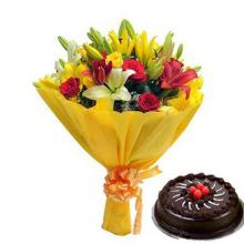 Mixed Flowers Bouquet and 1/2 kg Cake