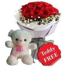 12 Red Roses FREE Balloon